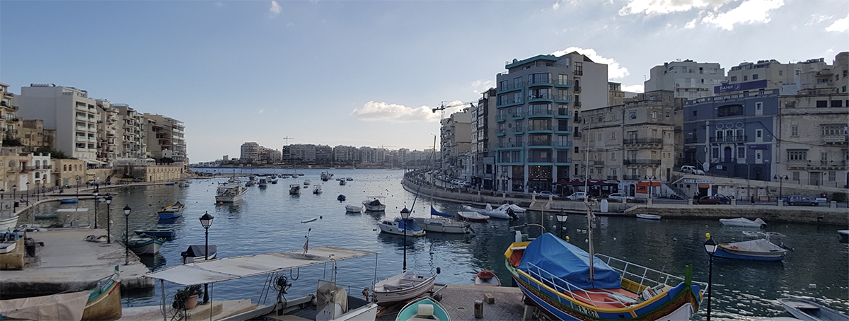 Malta dil okulu yerleşkeleri genellikle Malta'nın en büyük ve canlı şehri olan St. Julians'da bulunur.