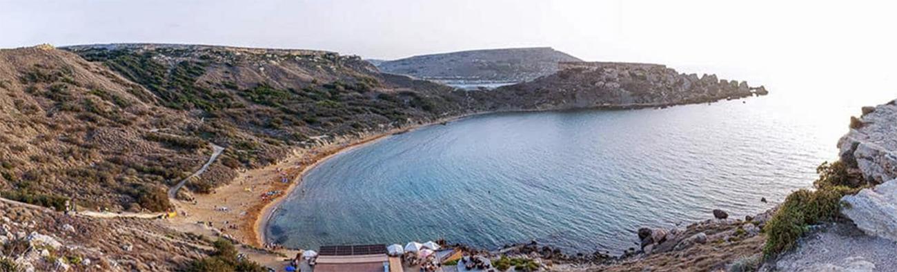 Maltada deniz ve tatil. malta sahilleri